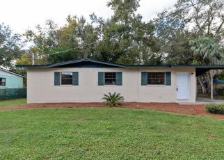 Foreclosed Home en LOURDES DR W, Jacksonville, FL - 32210