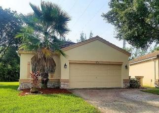 Foreclosed Home en OLDE CLYDESDALE CIR, Lake Worth, FL - 33449