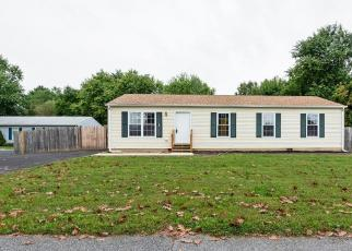 Foreclosed Home in EMMELLS LN, New Castle, DE - 19720