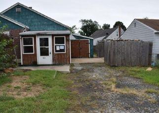 Foreclosed Home in JEFFERSON AVE, New Castle, DE - 19720