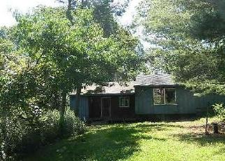 Foreclosed Home in W SHEPARD AVE, Hamden, CT - 06514
