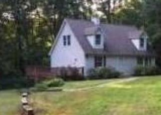 Foreclosed Home en INDIAN LN, Woodbury, CT - 06798