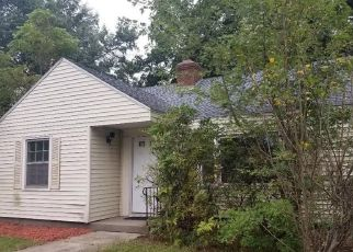 Foreclosed Home in MAPLESIDE DR, Wethersfield, CT - 06109