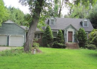 Foreclosed Home in CENTRAL AVE, Wolcott, CT - 06716