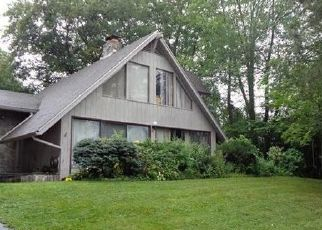 Foreclosed Home in STONEGATE DR, Wethersfield, CT - 06109