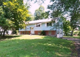 Foreclosed Home en BROWN ST, Bloomfield, CT - 06002