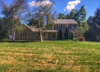 Foreclosed Home en MADISON LN, West Simsbury, CT - 06092