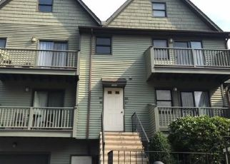 Foreclosed Home in GLENDALE AVE, Bridgeport, CT - 06606
