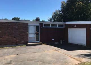 Foreclosed Home in DEXTER AVE, Meriden, CT - 06450