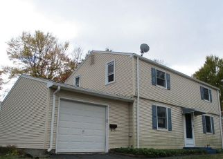 Foreclosed Home en NELSON DR, Enfield, CT - 06082