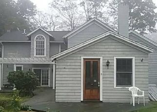 Foreclosed Home en DURHAM RD, Madison, CT - 06443