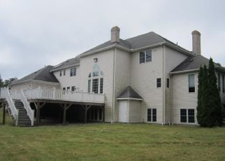 Foreclosed Home en ELIZABETH RD, Bolton, CT - 06043