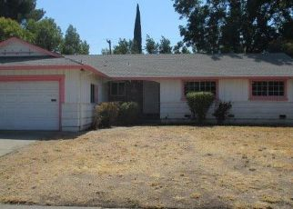 Foreclosed Home en SARAZEN AVE, Sacramento, CA - 95822