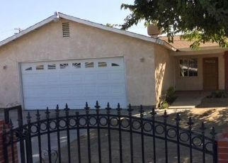 Foreclosed Home en HOOVER ST, Bakersfield, CA - 93307