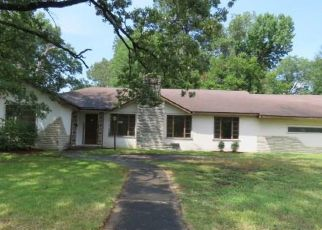 Foreclosed Home in W 29TH AVE, Pine Bluff, AR - 71603