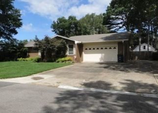 Foreclosed Home in APACHE DR, Searcy, AR - 72143