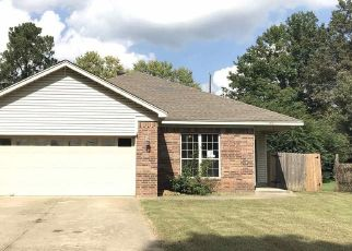 Foreclosed Home in PLUMMER DR, Jacksonville, AR - 72076