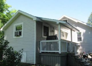 Foreclosed Home en PLEASANT ST, Massena, NY - 13662