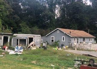 Foreclosed Home in DAN JENNINGS RD, Oak Ridge, NJ - 07438