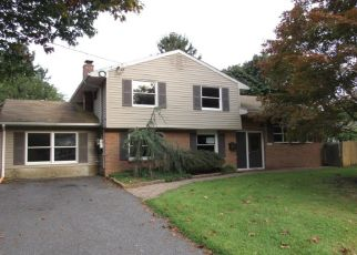 Foreclosed Home in LOIS DR, Williamstown, NJ - 08094