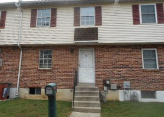 Foreclosed Home en COLONIAL CIR, Aston, PA - 19014