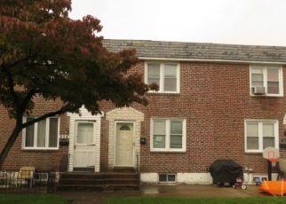 Foreclosed Home en SURREY LN, Glenolden, PA - 19036