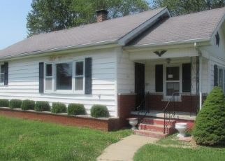 Foreclosed Home in N PARK AVE, Herrin, IL - 62948