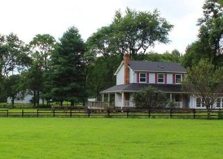 Foreclosed Home in MOUNTAIN RD, Lovettsville, VA - 20180