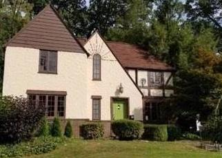 Foreclosed Home en SUMNER AVE, New Castle, PA - 16105