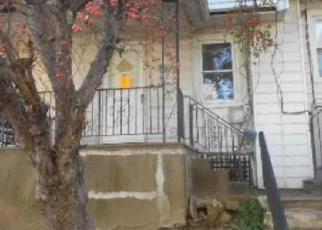 Foreclosed Home en CLEVELAND AVE, Upper Darby, PA - 19082