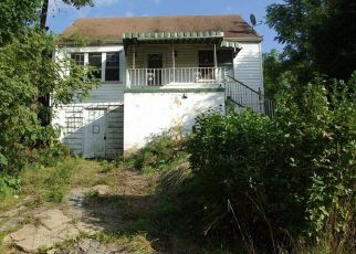 Foreclosed Home en SUMNER AVE, Washington, PA - 15301