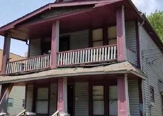 Foreclosed Home en KORMAN AVE, Cleveland, OH - 44103