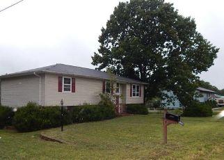 Casa en ejecución hipotecaria in Waynesville, MO, 65583,  REDSVILLE LN ID: F4304129