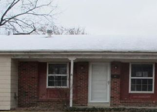 Foreclosed Home en TEAKWOOD MANOR DR, Florissant, MO - 63031
