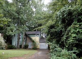 Foreclosed Home en RIDGE FOREST DR, Stone Mountain, GA - 30083