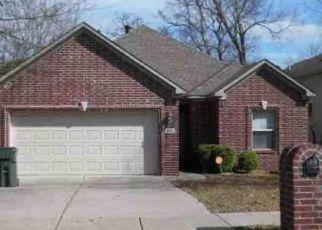 Foreclosed Home in S OAK ST, Little Rock, AR - 72204