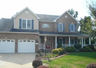 Foreclosed Home en CAHILLE DR, Winchester, VA - 22602