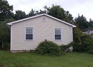 Foreclosed Home en VIRGINIA AVE, Rockville, MD - 20850