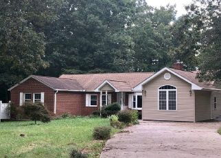 Foreclosed Home en GROSSTOWN RD, Hughesville, MD - 20637