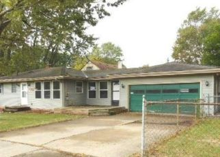 Foreclosed Home en SOUTHGATE AVE, Lansing, MI - 48910