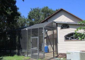 Foreclosed Home en SPRUCE DR, Fort Pierce, FL - 34982