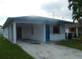 Foreclosed Home en NW 3RD CT, Hallandale, FL - 33009