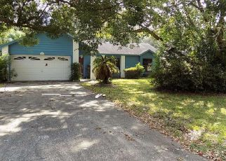 Foreclosed Home en MEREDITH DR, Spring Hill, FL - 34608
