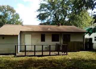 Foreclosed Home en SAINT PAUL DR, East Saint Louis, IL - 62206