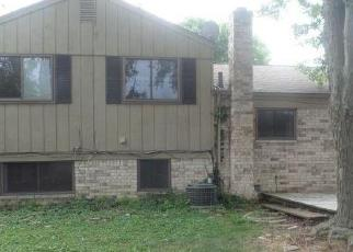 Foreclosed Home in DELLA ROSA DR, Sterling Heights, MI - 48313
