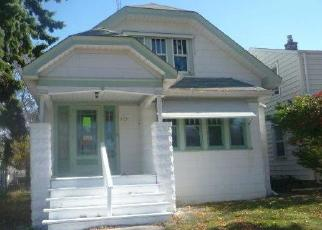 Foreclosed Home en S 62ND ST, Milwaukee, WI - 53219