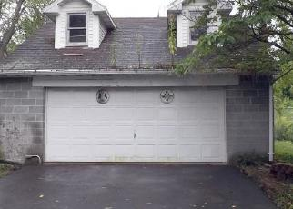 Foreclosed Home en LLOYD ST, Pittston, PA - 18641