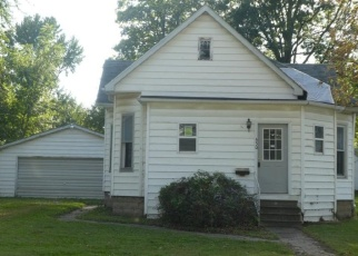 Foreclosed Home in S MAPLE ST, Nokomis, IL - 62075