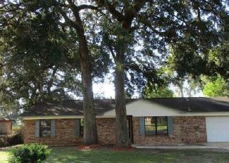 Foreclosed Home en PRINCETON DR, Pensacola, FL - 32526