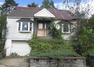Foreclosed Home en OVERLOOK PL, Newburgh, NY - 12550